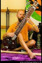 davido-sitar-low